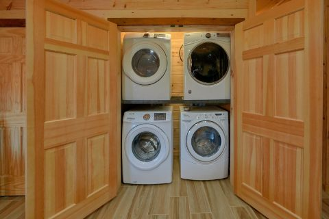 Full Size Washers and Dryers - Hideaway Dreams