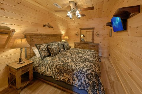 Lower Level King Bedroom 4 Bedroom Cabin - Hideaway Dreams