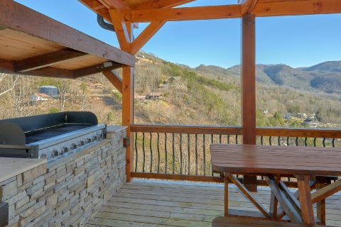 BBQ Grill with Spectacular Views - Hideaway Dreams