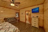 6 Bedroom Cabin with 2 main-level master suites