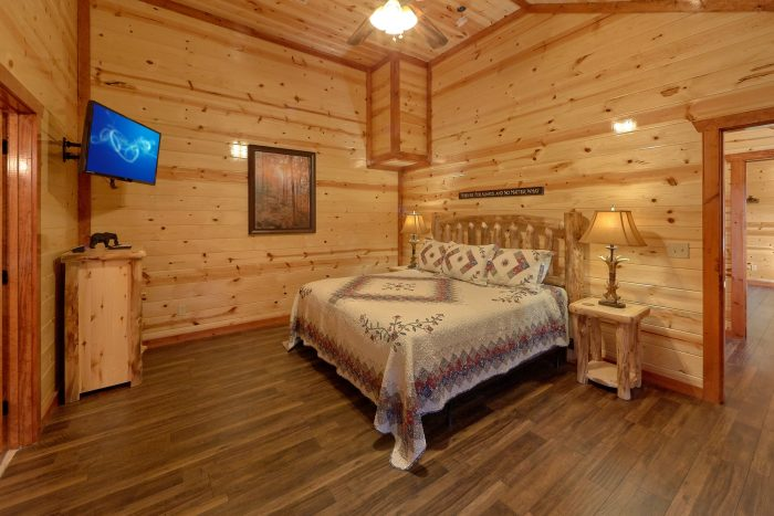 Pigeon Forge Cabin with 6 Bedrooms - High Dive