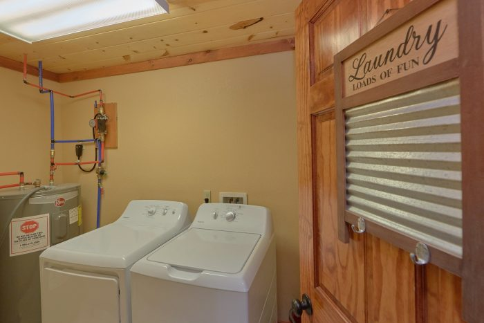 6 Bedroom Pool Cabin with a Washer and Dryer - High Dive