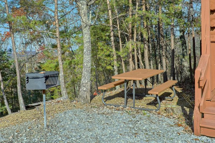 1 Bedroom with Picnic Table and Charcoal Grill - Higher Ground