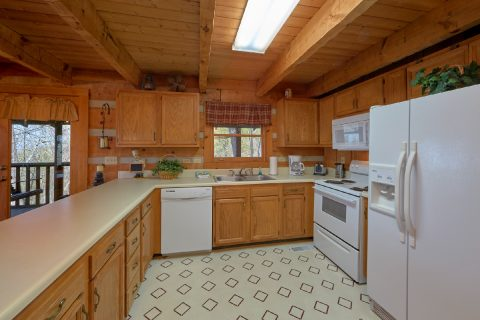 Rustic 2 bedroom cabin with full kitchen - Hillbilly Deluxe