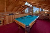2 bedroom cabin with Pool Table and sleeper sofa