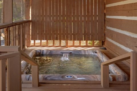 2 bedroom cabin with Private Hot tub on deck - Hillbilly Deluxe