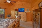 4 bedroom cabin with 2 Master Bedrooms on main