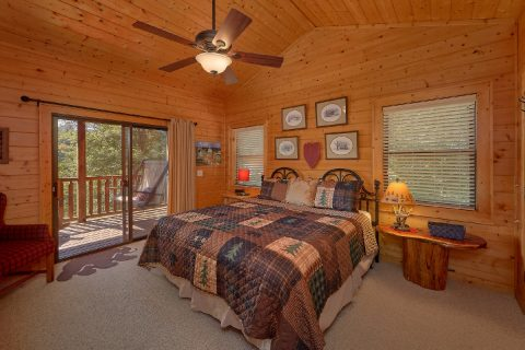 4 Bedroom Cabin with Master King Suite - Hillbilly Hideaway