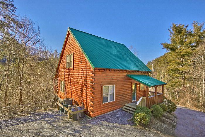 3 bedroom luxury Cabin with View - Hillside Haven
