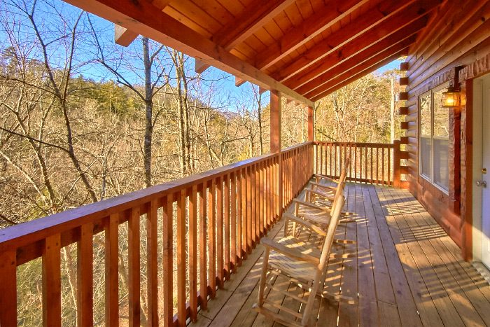 Cabin located near the Creek with Hot Tub - Hillside Haven