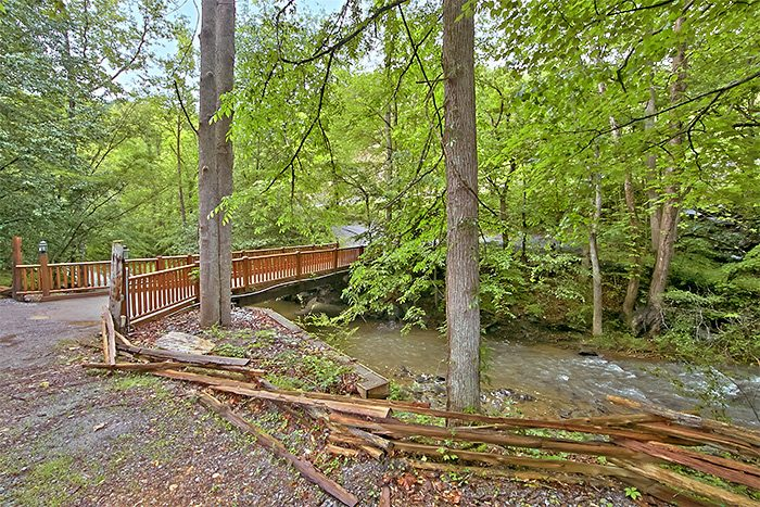 Wears Valley Luxury Cabin near the creek - Hillside Haven