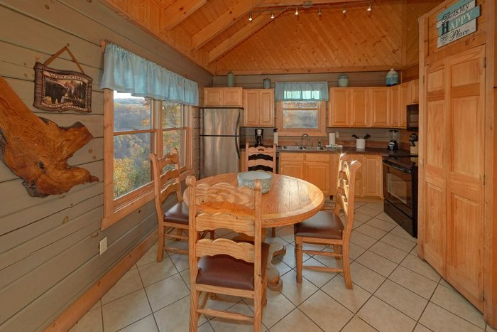 1 Bedroom Cabin with a Furnished Kitchen - Hilltopper