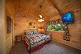 Gatlinburg Cabin with King Bedroom