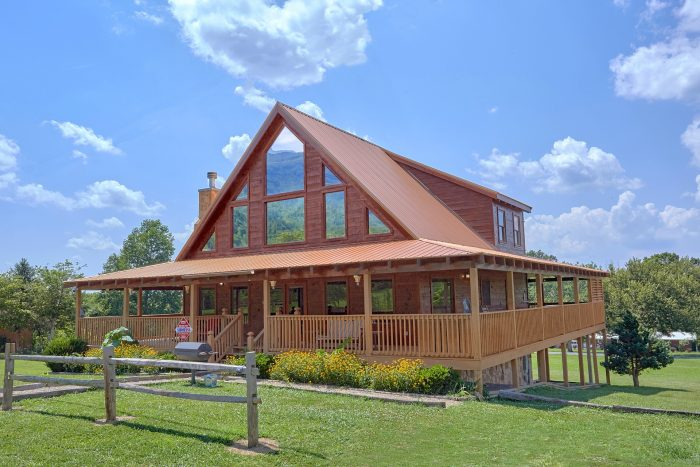 Premium wears Valley Cabin Rental with View - Honey Bear