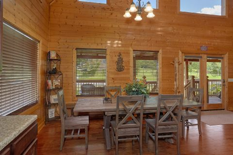 Premium Cabin with Dining Room for 8 - Honey Bear