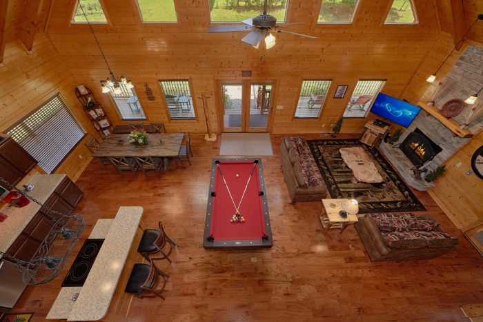 Family Size cabin with Pool table and Fireplace - Honey Bear