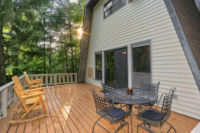2 Bedroom Cabin in Sky Harbor - Honeycomb Hideout