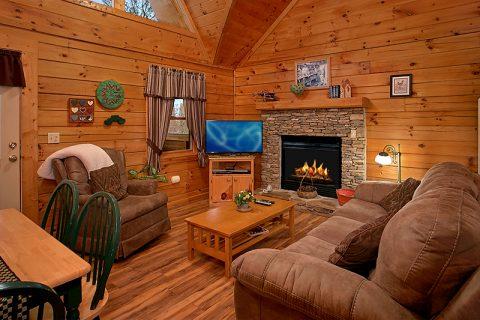 1 Bedroom Cabin Honeymoon Getaway - Honeymoon Getaway