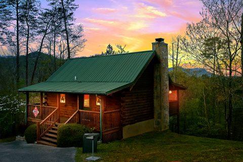 Arrowhead Resort 1 Bedroom Cabin Sleeps 2 - Honeymoon Getaway