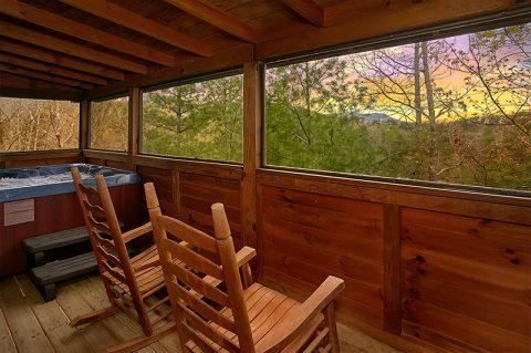 Honeymoon Cabin with Private Hot Tub - Honeymoon Getaway