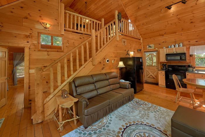 Cozy 1 Bedroom Cabin with Kitchen and Loft - Huggable Hideaway