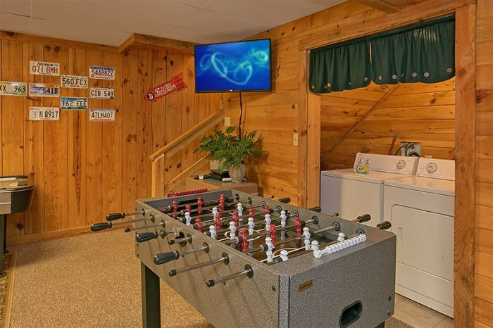 3 Bedroom Cabin Sleeps 8 with Foo's Ball Table - Hunting Hollow Haven