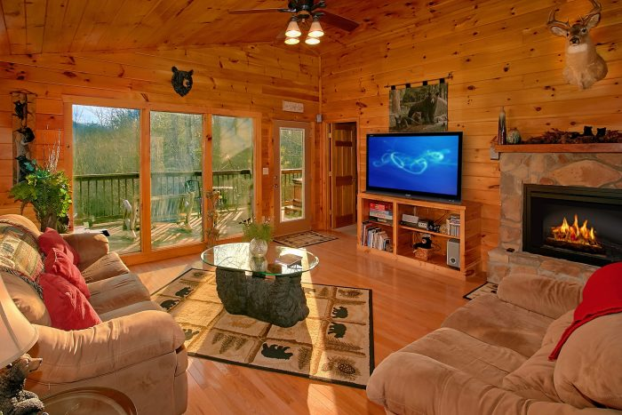 Rustic Honeymoon Cabin with Fireplace - I Don't Want 2 Leave