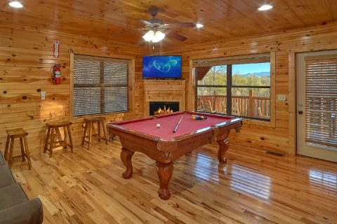 2 Bedroom cabin with Pool Table and Fireplace - I Love View