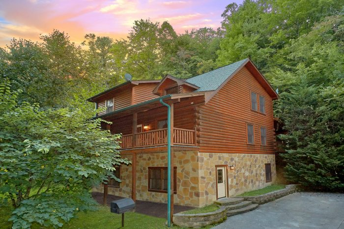 In The Heart Of Pigeon Forge Cabin Rental Photo