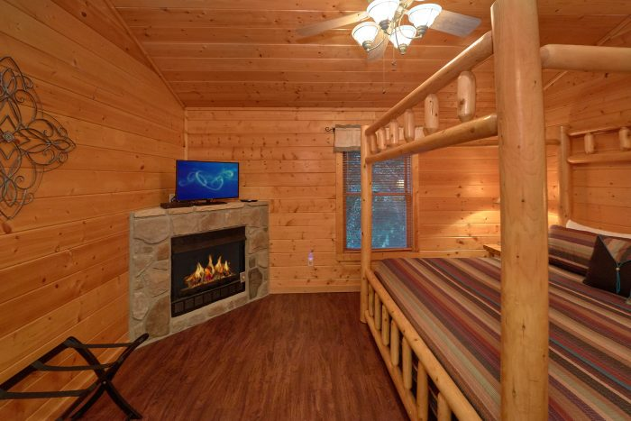 Open Loft with Extra Sleeping - In The Heart Of Pigeon Forge