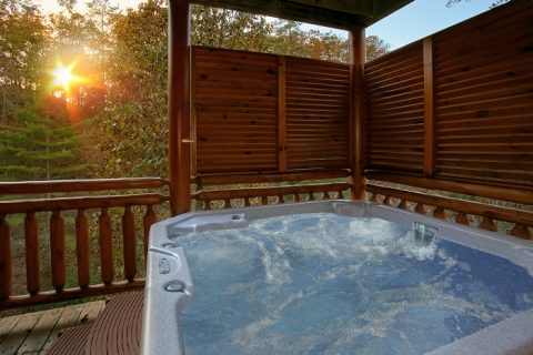 8 Bedroom Sleeps 28 with Hot Tub - Indoor Pool Lodge