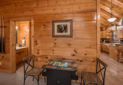 Premium 1 bedroom cabin with Arcade Game - It's A Waterful Life