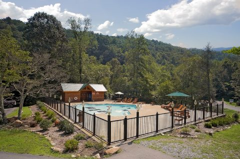 1 Bedroom cabin with Resort Swimming Pool Access - It's A Waterful Life