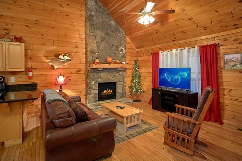 1 Bedroom Cabin with a Flat Screen TV - It's About Time