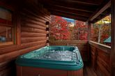 Smoky Mountain Cabin with a Hot Tub