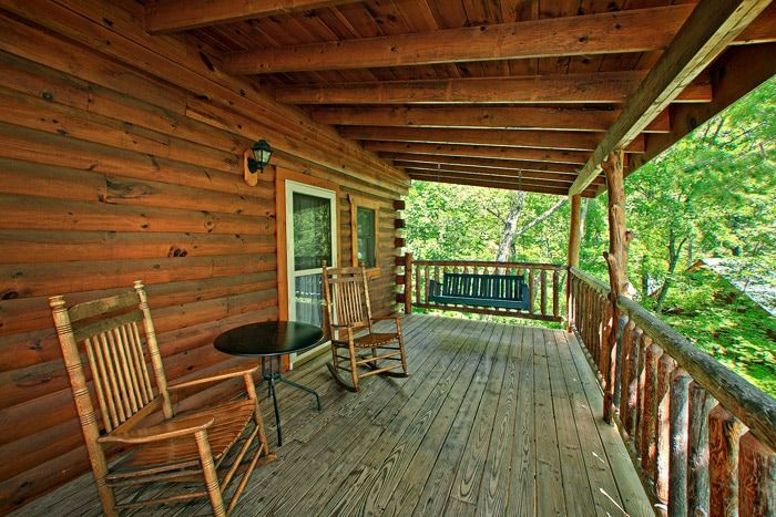 Gatlinburg Cabin with Relaxing Deck - Jungle Boogie