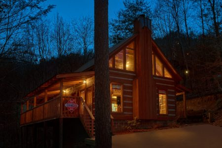 This Away: 2 Bedroom Sevierville Cabin Rental