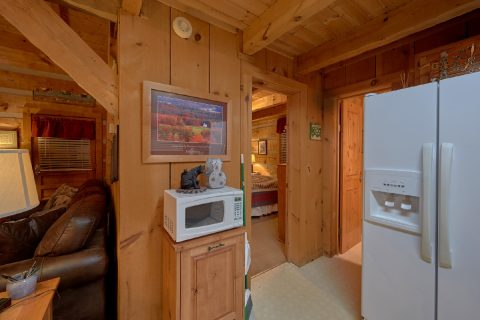 Full Kitchen in 2 bedroom cabin - Just Barely Making It