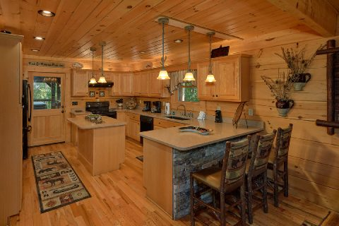 Large Open Kitchen and Living Room 6 Bedroom - KenKnight's Wilderness Lodge