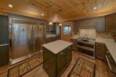 Large 6 Bedroom 6 Bath Cabin Sleeps 18