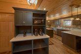 Large Open Floor Plan 6 Bedroom Cabin Sleeps 18