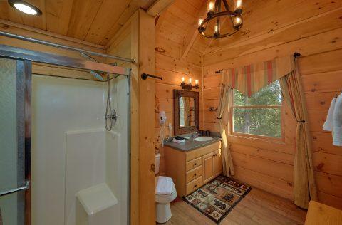 6 Bedroom 6 Bath Cabin Sleeps 18 - KenKnight's Wilderness Lodge