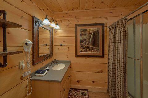6 Full Bath Rooms 6 Bedroom Cabin Sleeps 18 - KenKnight's Wilderness Lodge