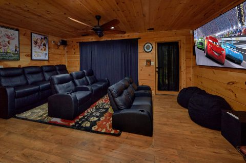 6 Bedroom Cabin with Theater Room Sleeps 18 - KenKnight's Wilderness Lodge
