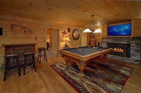 Large Game Room KenKnights Wilderness Lodge - KenKnight's Wilderness Lodge
