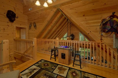 6 Bedroom Cabin with Arcade Games - KenKnight's Wilderness Lodge