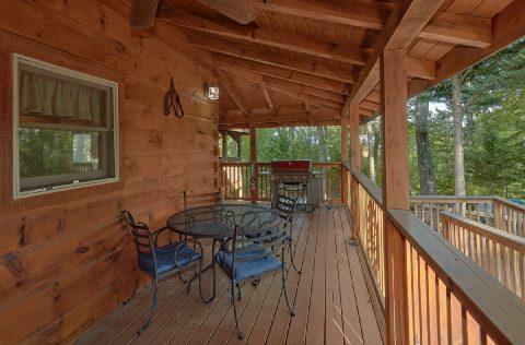 Wrap Around Deck 6 Bedroom Cabin Sleeps 18 - KenKnight's Wilderness Lodge