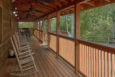 Rocknig Chairs KenKnights Wilderness Lodge - KenKnight's Wilderness Lodge