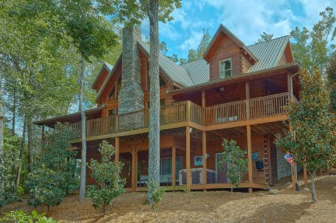 6 Bedroom 6 Bath 3 Story Cabin Sleeps 18 - KenKnight's Wilderness Lodge