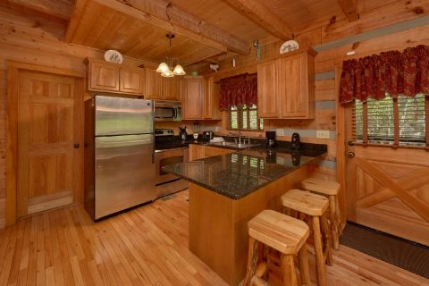Spacious wears valley cabin with full kitchen - Kicked Back Creekside